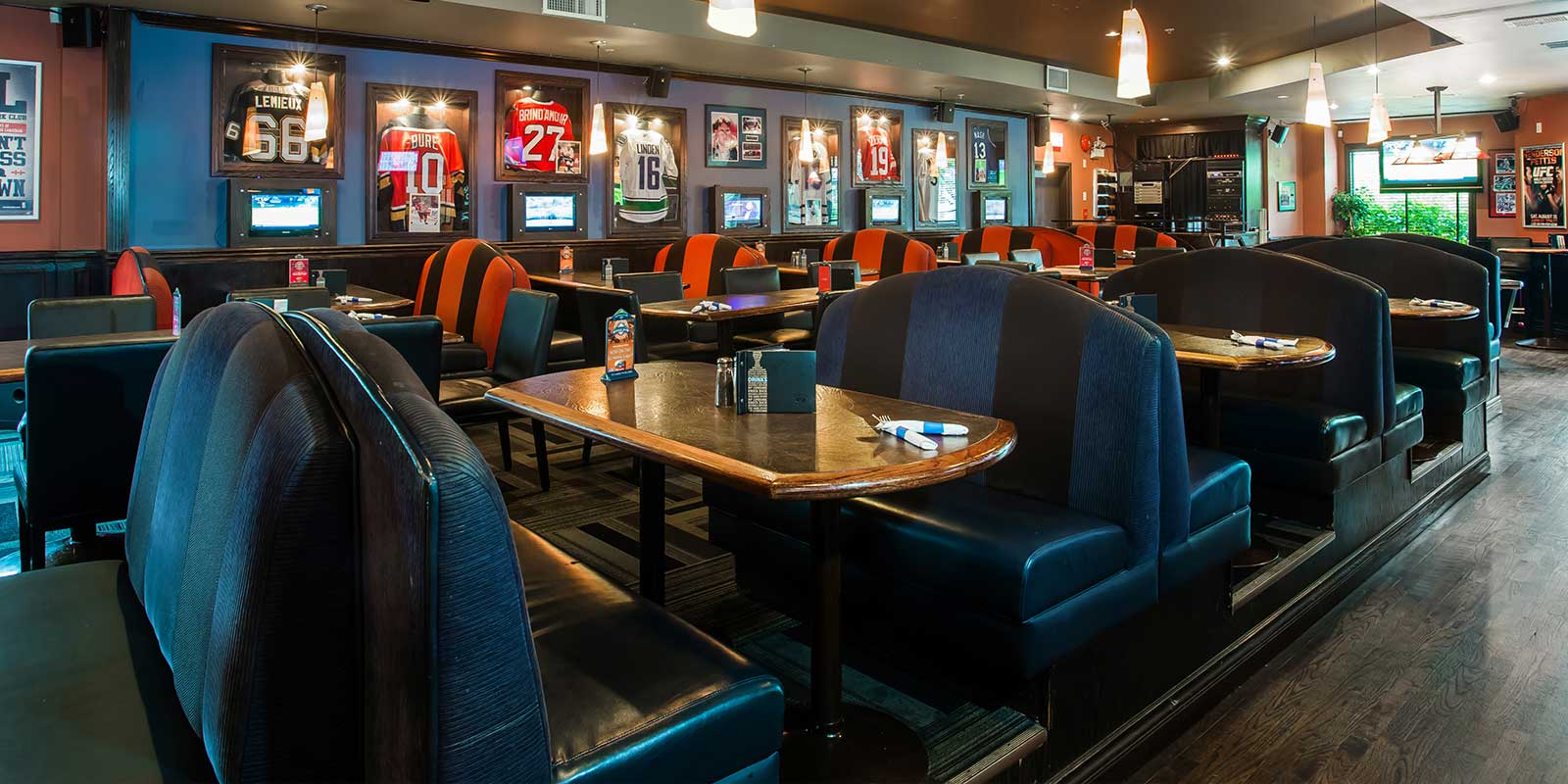 Shark Club Sports Bar & Grill - Victoria Gallery 3